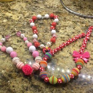 Lot of 3 bubblegum necklaces